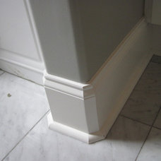 Traditional Living Room Moulding Detail