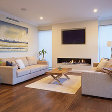 Contemporary Living Room by Austurban Homes