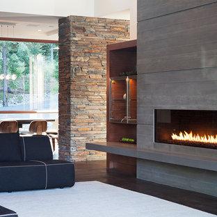 サクラメントのコンテンポラリースタイルのおしゃれなリビング (横長型暖炉) の写真