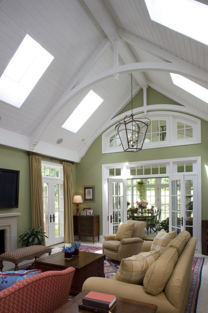Traditional Living Room by Penza Bailey Architects