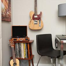 Contemporary Living Room by Kristie Barnett, The Decorologist