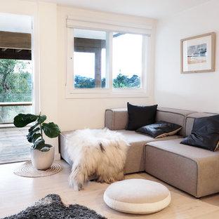 Minimalist living room photo in Sydney