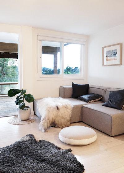 Modern Living Room by Maischa Souaga Photography
