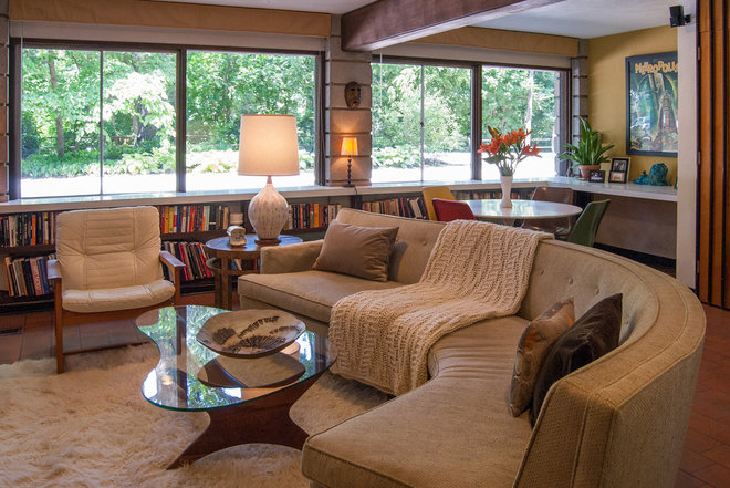 midcentury living room by Adrienne DeRosa