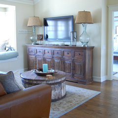traditional living room by Dana Nichols