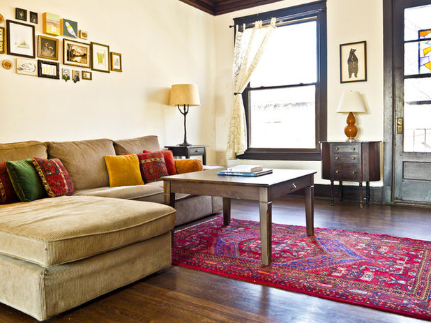 My houzz color and vintage style jazz up tradition in chicago for Jazz living room ideas