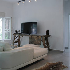 Contemporary Living Room by Esther Hershcovich