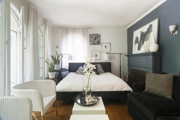 Transitional Living Room by Carolyn Reyes