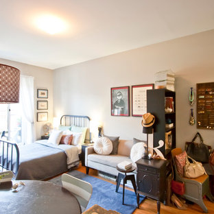 Inspiration for an eclectic living room remodel in New York