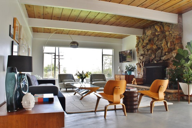 Midcentury Living Room by Kimberley Bryan