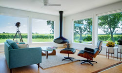 My Houzz: Midcentury Modern Style Transforms a Vineyard Bungalow