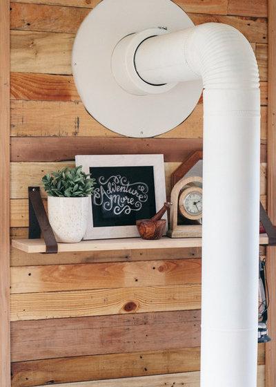 Landhausstil Wohnbereich by Ellie Lillstrom Photography