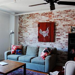 Ejemplo de salón industrial con paredes blancas