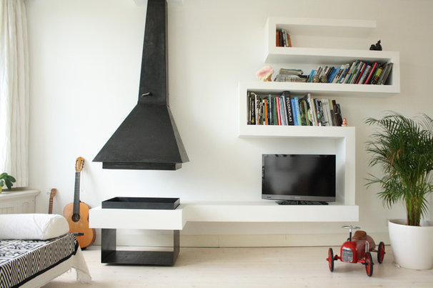 Modern Living Room by Holly Marder