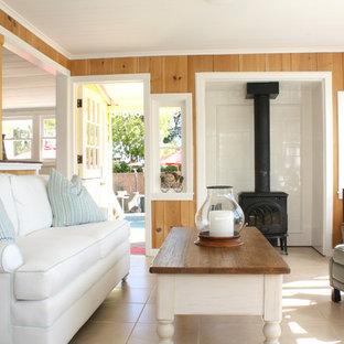 Piccolo soggiorno con stufa a legna - Foto e Idee per Arredare