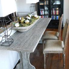 Living Room by Jaye Lee Interiors
