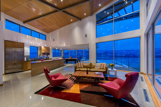 Contemporary living room by solaris custom homes