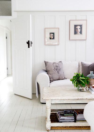 Farmhouse Living Room by Sue Stubbs Photographer