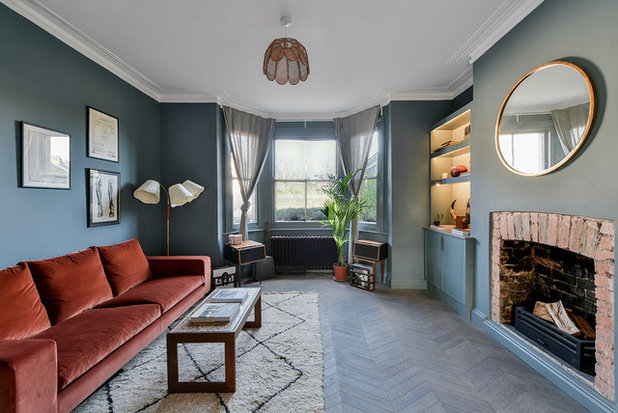 Midcentury Living Room by 1st Option