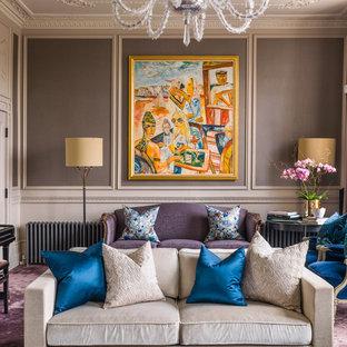 ロンドンの大きいトラディショナルスタイルのおしゃれなLDK (フォーマル、茶色い壁、カーペット敷き、テレビなし、紫の床) の写真