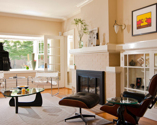 Contemporary Living Room Idea In San Francisco With Beige Walls Medium Tone Wood Floors And