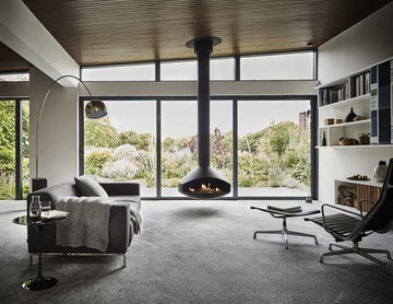 Neutral carpets for minimalist look in Richmond house