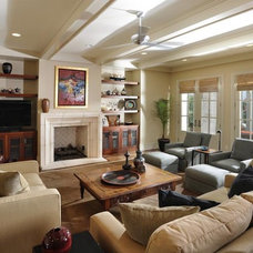 Traditional Living Room by Castle Homes