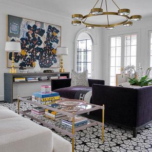 ダラスのトランジショナルスタイルのおしゃれなリビング (白い壁、濃色無垢フローリング、白い床) の写真