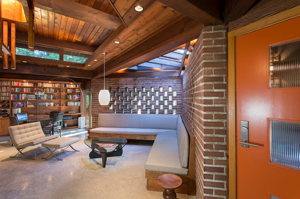 Midcentury Living Room by Synthesis Design Inc.
