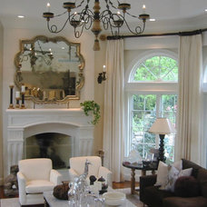 Traditional Family Room by david phillips