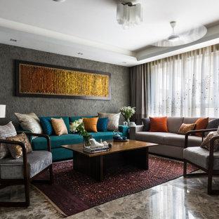 デリーのコンテンポラリースタイルのおしゃれなLDK (グレーの壁、グレーの床、折り上げ天井) の写真
