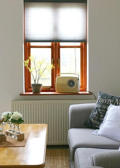 Country Living Room by Dear Designer's Blog