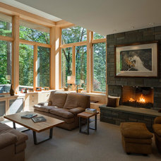 Contemporary Living Room by Thielsen Architects, Inc. P.S.