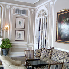 Traditional Living Room by All Pro Painting and Improvements