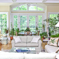 Traditional Living Room by Murphy Brothers Contracting