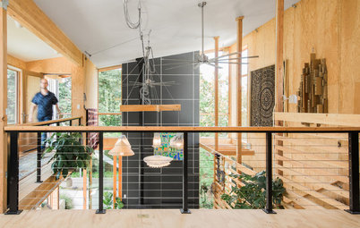 Houzz Tour: Raw Materials Form an Open Passive-Solar House