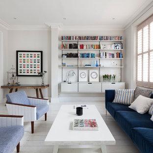Modelo de salón abierto, contemporáneo, de tamaño medio, con paredes blancas