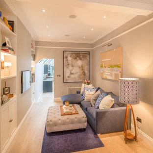 Ispirazione per un piccolo soggiorno chic con pareti grigie