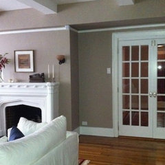 traditional living room by inspirationCOLOR - Jacki Tate
