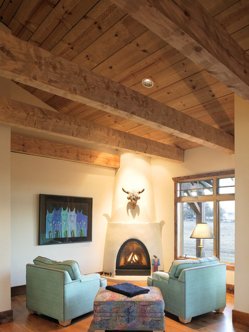 Central oregon rustic ranch house o 39 banion residence for Southwestern fireplaces