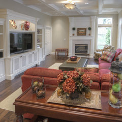 traditional living room by WoodWorks INC.