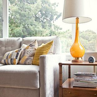 OAKLAND Luxe Mid-Century Living Room
