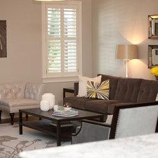 Modern Living Room by Oakley Home Builders