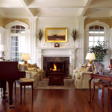 traditional living room by Solaris Inc.