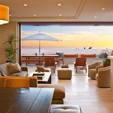 Beach Style Living Room by McRae Lambert & Dunn