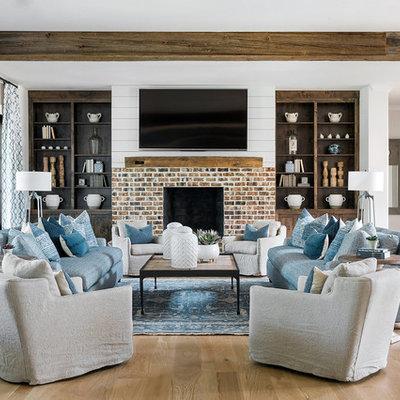 Example of a living room design in Atlanta
