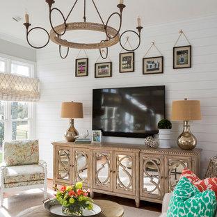 Foto di un grande soggiorno stile shabby aperto con sala formale, camino classico, cornice del camino in mattoni e TV a parete