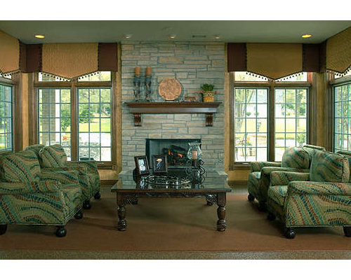 Example Of A Tuscan Living Room Design In Chicago