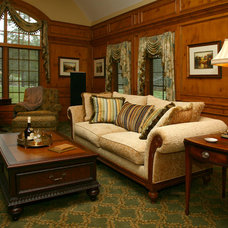 Traditional Living Room by DECORATING DEN INTERIORS ValleyDesignTeam, NE Ohio