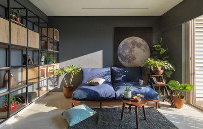 光と植物が心地よい、カラフルで自然体なムンバイの部屋